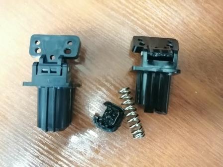 Сломанные петли сканера принтера